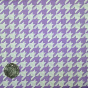Riley Blake, Houndstooth in Lavendar